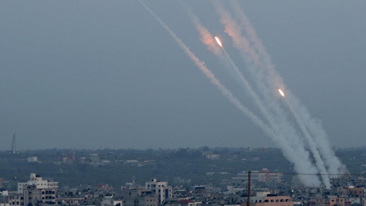 Rakety vystřelené z Pásma Gazy na Izrael.