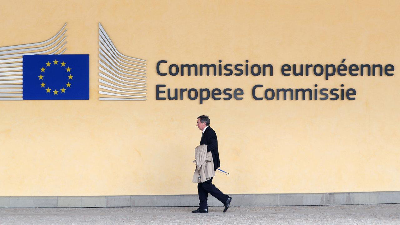 V letošním a příštím roce komise očekává mimo jiné mírné zpomalení růstu soukromé spotřeby v Česku v důsledku slabšího růstu mezd.