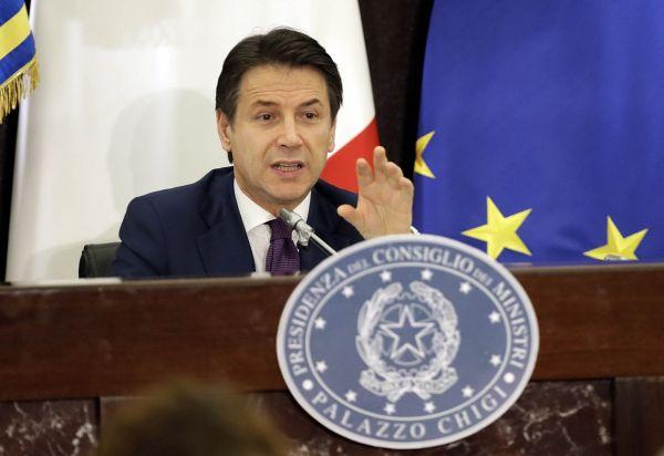 Podle italského premiéra Giuseppa Conteho představuje schválený rozpočet první krok kprovedení ambiciózního reformního plánu.
