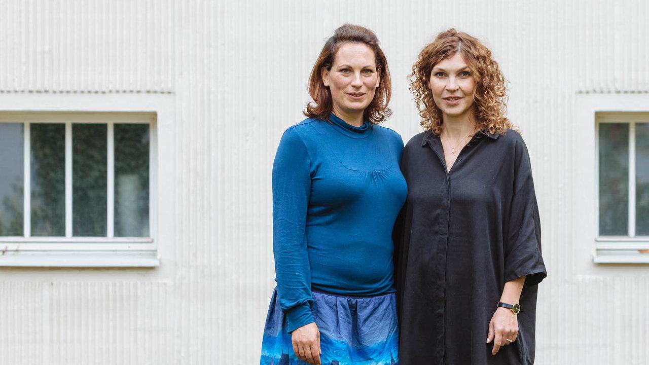 Titul laskavec získaly v září Aneta Sládková Králová (vpravo) a Hanka Luhanová za projekt Malá Jóga