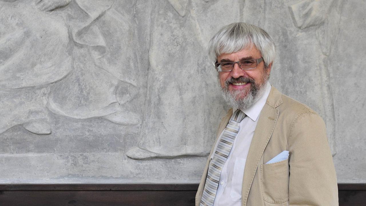 Pavel Šámal má namířeno do Ústavního soudu. Konečné slovo ale budou mít senátoři.