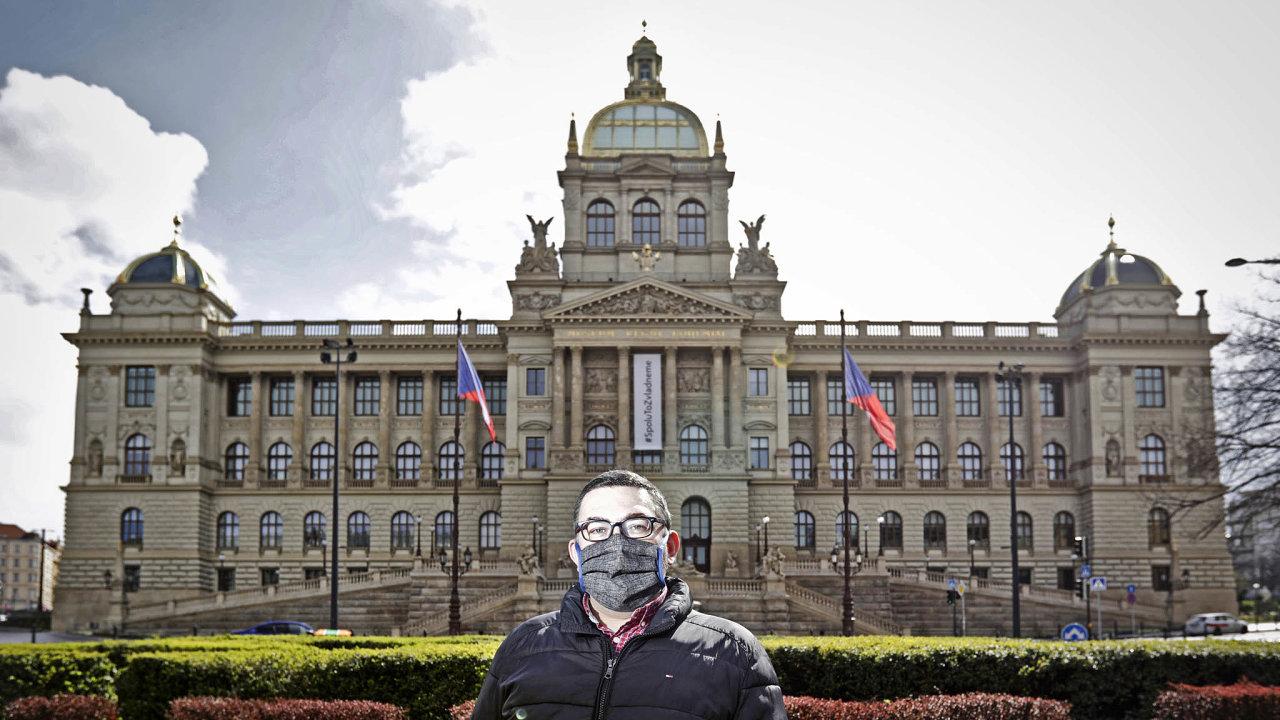 Před zavřenou budovou. Ředitel Národního muzea Michal Lukeš teď neřídí ani tak provoz budov, jako spíš svět virtuálních prohlídek.