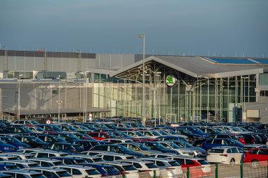 Českým firmám nejvíce služebních vozů dodá Škoda Auto. Z 86 tisíc nově registrovaných škodovek loni mířilo 72 tisíc právě do vlastnictví firem.