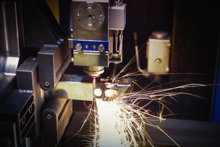 Řezání ocelových profilů