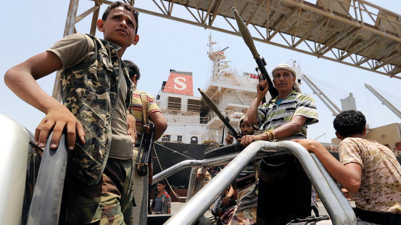 Tanker nedáme. Pro šíitské rebely znamená tanker FSO Safer pojistku proti jakémukoliv útoku.