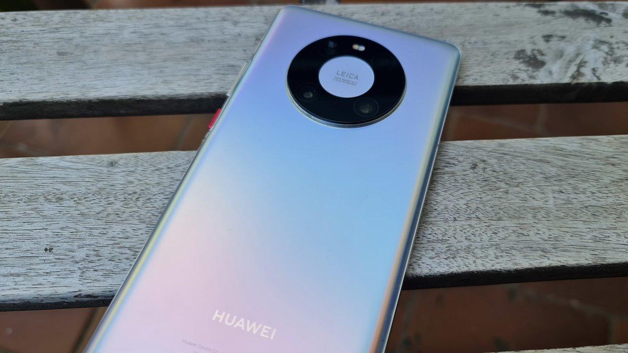 Huawei Mate 40 je v první řadě fotoaparát, až potom výkonný smartphone
