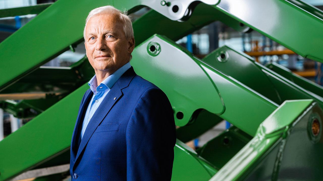 """""""Občas mi probleskne hlavou, zda už stím nemám skončit aprodat firmu,"""" přiznává Lubomír Stoklásek. Nakonec ale udělal pravý opak. Koupil firmu v Německu."""