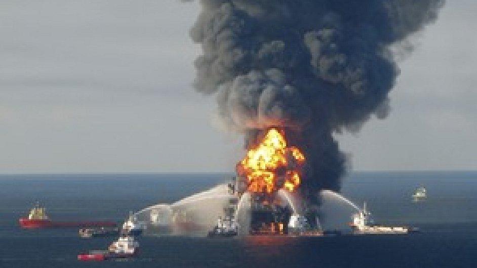 Požár ropné plošiny v Mexickém zálivu