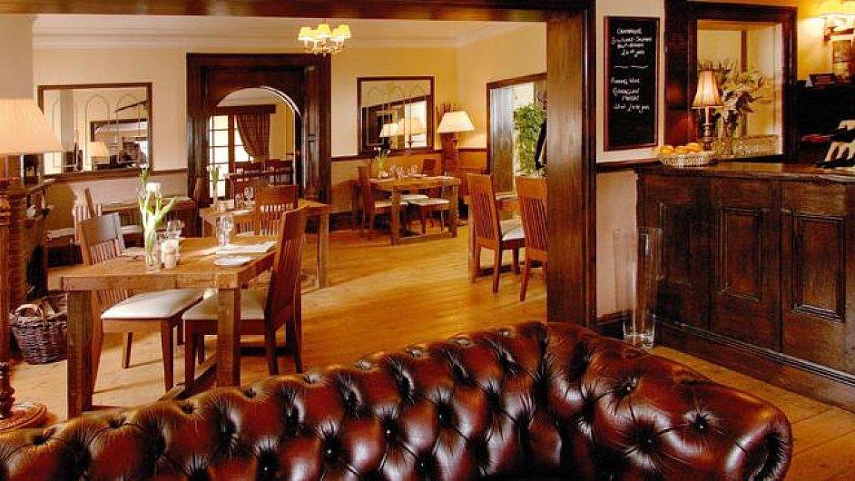 The Pipe and Glass Inn v Yorkshiru, nejlepší hospoda pro rok 2012 v michelinském průvodci Eating Out in Pubs Guide.