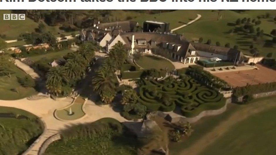 Letecký pohled na rezidenci Kima Dotcoma