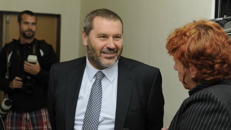 Bývalý senátor ODS Alexandr Novák byl podmínečně propuštěn z vězení.