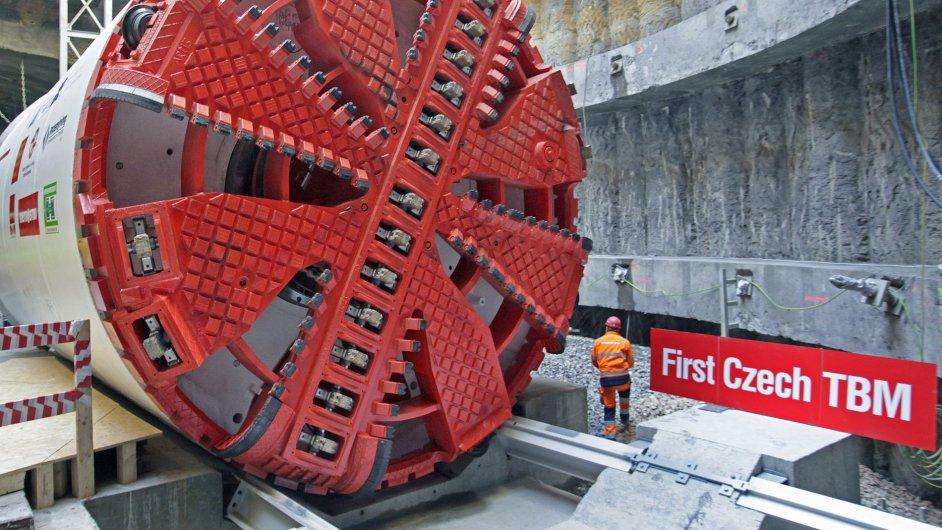 Razící stroj Tonda, který prodlouží metro až do Motola