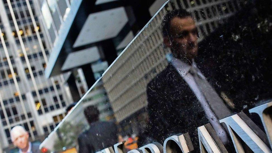 Jedním z důvodů zavedení Volckerova pravidla jsou obchody jako ten, na kterém loni JP Morgan prodělala 119 miliard korun (Ilustrační foto)