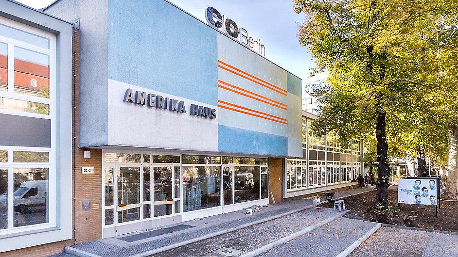 Amerika Haus sloužil od šedesátých let jako americké kulturní centrum.