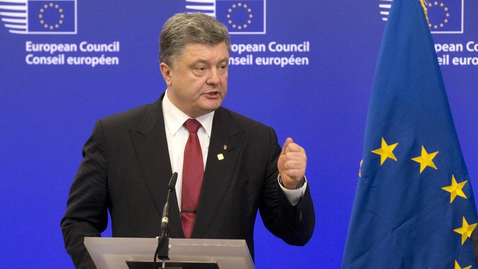 Ukrajinský prezident Petro Porošenko na summitu EU v Bruselu.