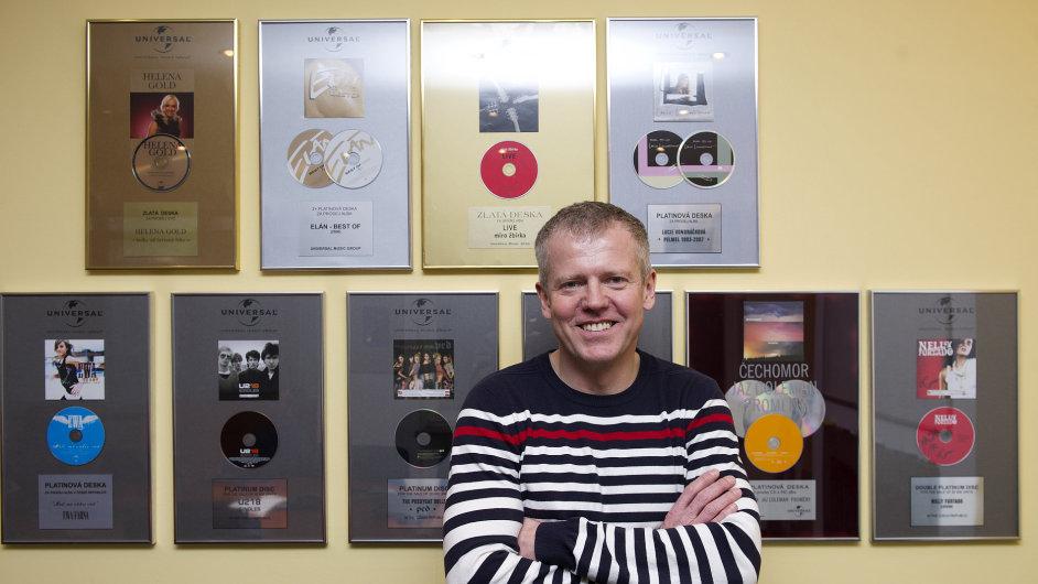 S kanceláří Universal Music sídlí Tomáš Filip ve Velvarské ulici v pražských Dejvicích.