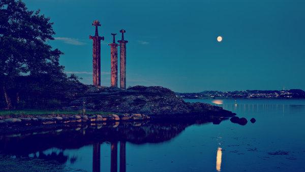 Historie a fjordy vytv��� chladn� p�vab norsk�ho Stavangeru