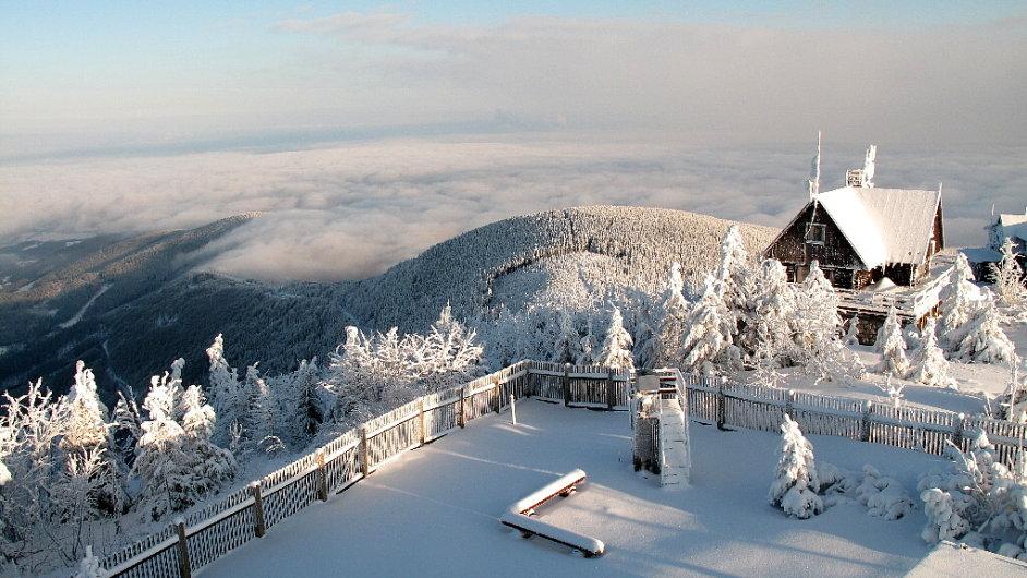 Beskydské panorama při pohledu z Lysé hory