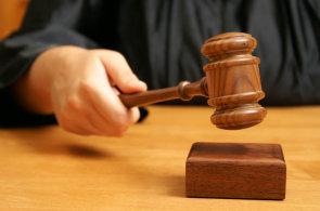 Bezpečnostní svodka: Upozornil na chybu, úřady ho místo díků obvinily