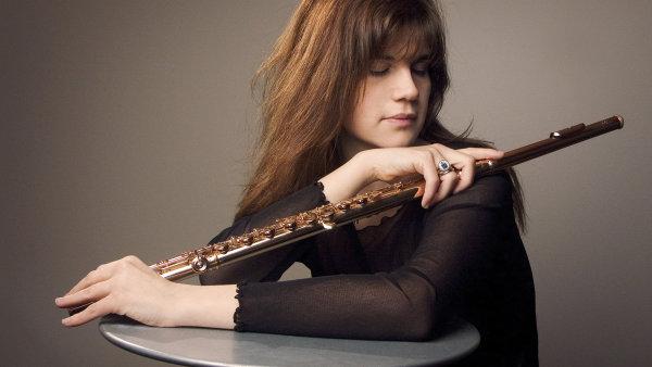 Sharon Bezalyov� se narodila roku 1972 v Izraeli, ale �ije ve �v�dsku.