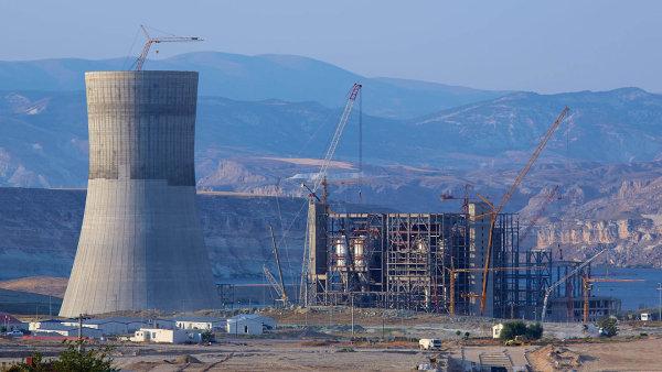 Elektrárna Adularya v Turecku, kvůli které hrozí České exportní bance miliardové ztráty.