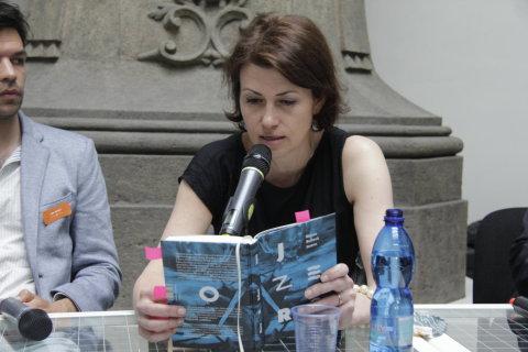 Snímek ze sobotního představení románu Jezero na veletrhu Svět knihy.