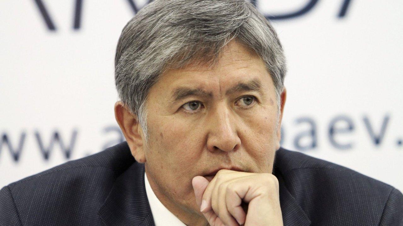 Nově zvolený kyrgyzský prezident Almazbek Atambajev