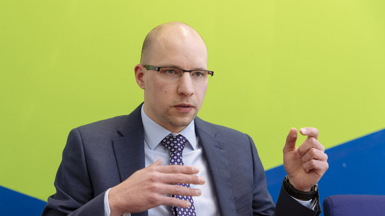 Analytik Michal Křikava z Fio banky.