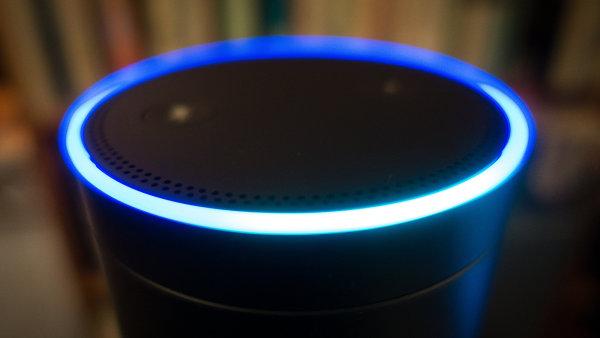 Pravidelné zprávy Radiožurnálu jsu dostupné k poslechu na chytrém reproduktoru Amazon Echo