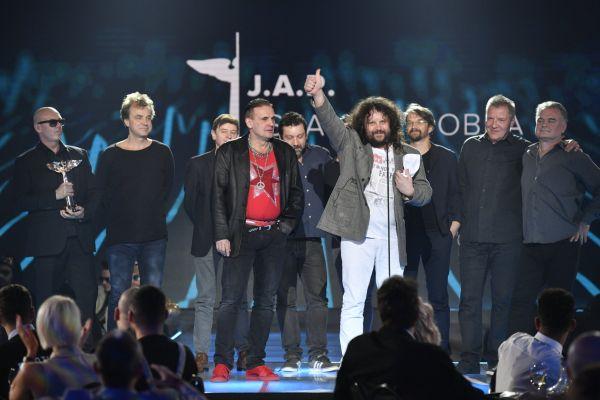 Kapela J.A.R. s cenou Anděl pro skupinu roku.