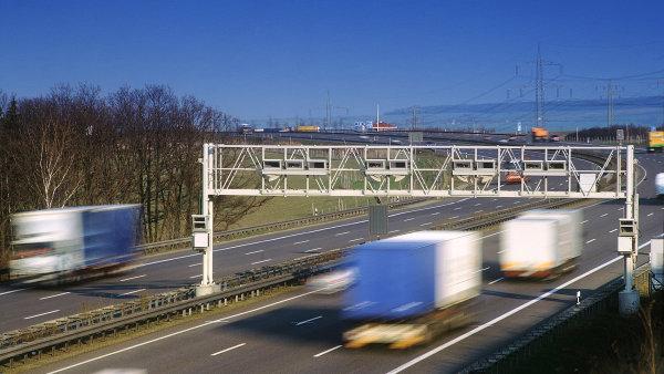 Mýtná brána na dálnici v Německu.