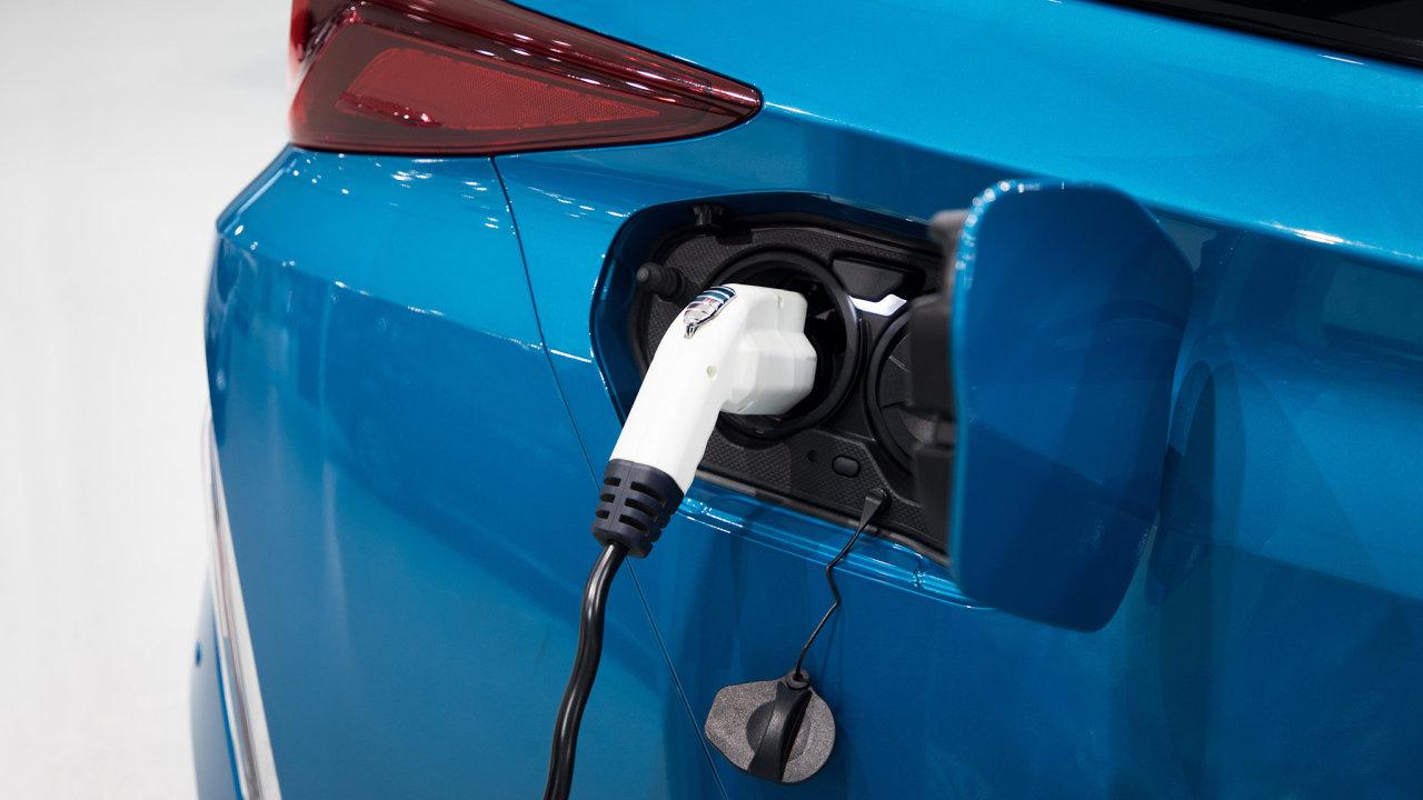 Vodík, vodíkový pohon, auta na vodík, čerpací stanice.