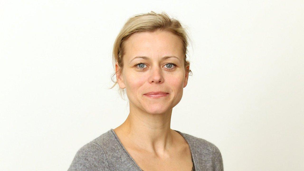 Nora Grundová, šéfredaktorka časopisu Harper's Bazaar