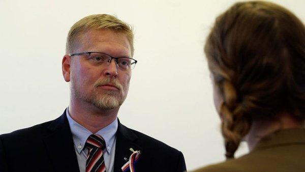 Předseda lidovců Pavel Bělobrádek chce dát do konce roku vědět, zda v čele strany skončí.