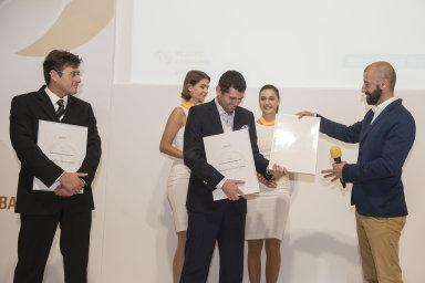 Nejlepší bankou roku 2018 se stala Česká spořitelna, za ní se umístily ČSOB a Moneta. Nejlepší životní pojišťovnou je Komerční pojišťovna, v kategorii neživotních pojišťoven zvítězila Uniqa