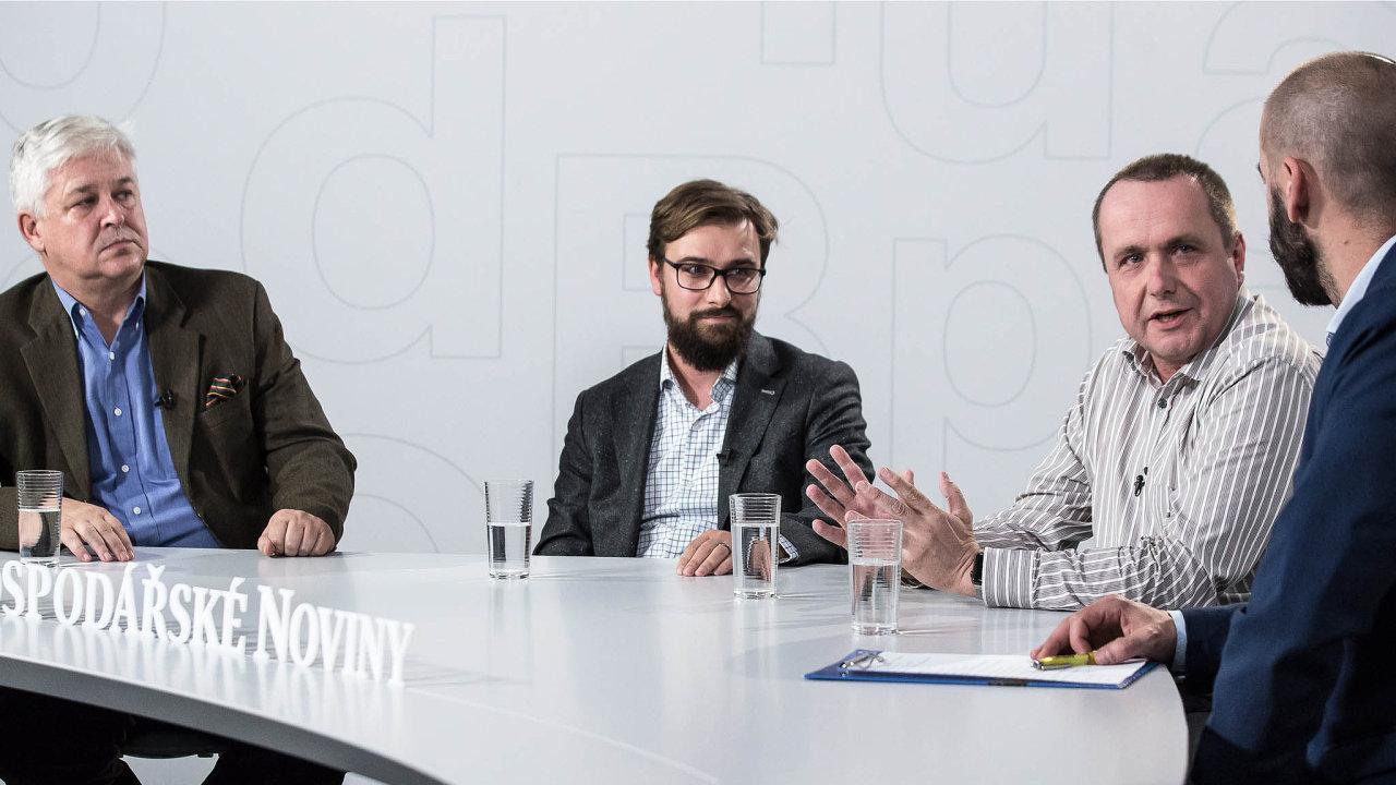 Zleva: debaty HN vnávaznosti nakonferenci Banking in Motion 2018 se zúčastnili Miroslav Zámečník (analytik ČBA), Tomáš Potměšil (KPMG Česká republika) aMartin May (Principal engineering).