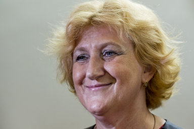 Zdravotní sestra Věra Marešová čelila obžalobě z toho, že podávala pacientům v rumburské nemocnici silné dávky draslíku, po kterých jim selhalo srdce. Soudy ji však pravomocně osvobodily.