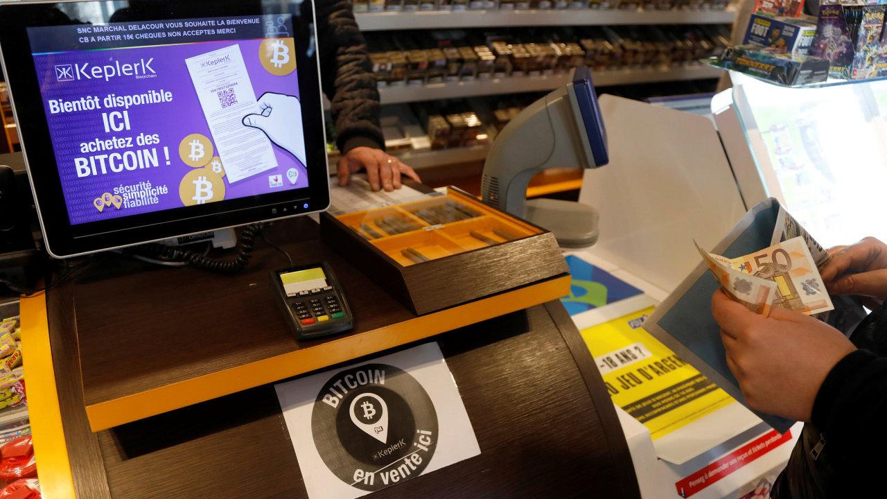 Francouzské trafiky prodávají bitcoin.
