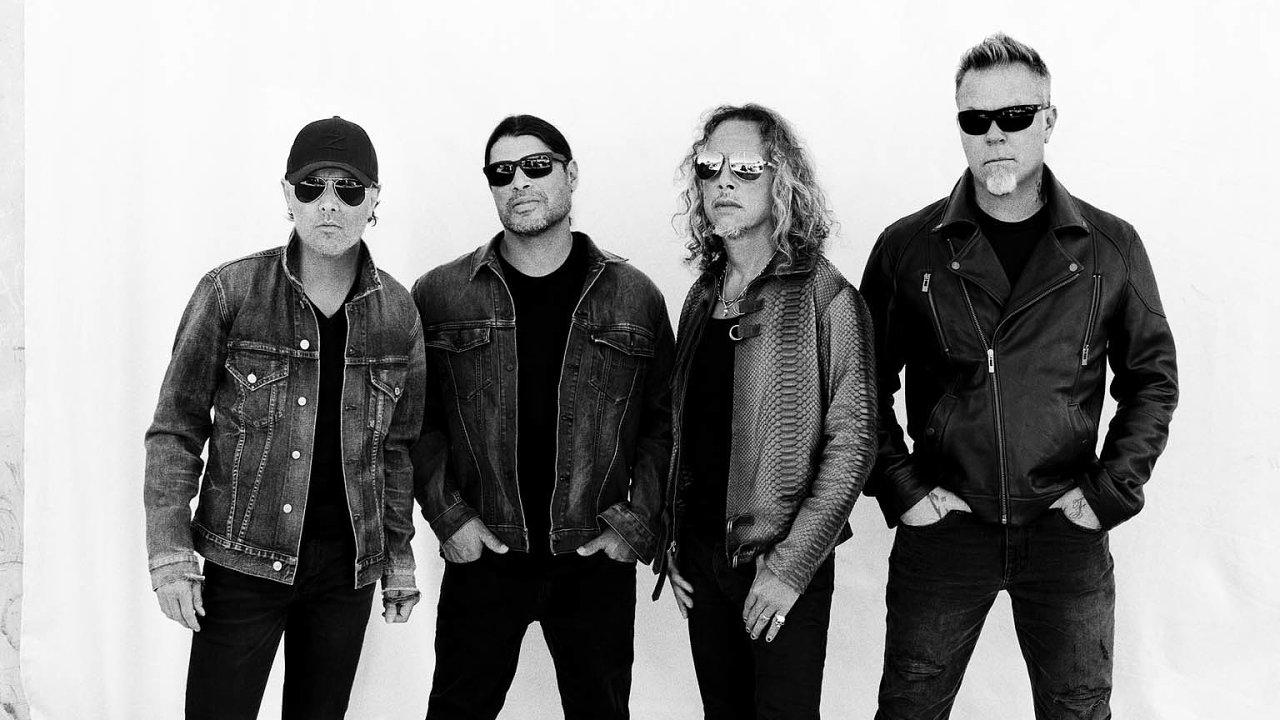 Metallica tuto neděli vČesku vystoupí již podeváté. Poprvé přijela roku 1993 doBrna, tři léta nato hrála vpražské Sportovní hale.