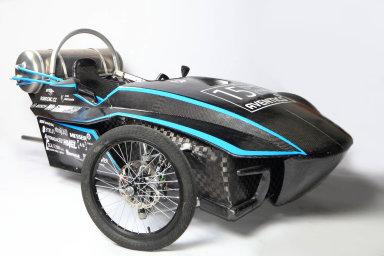 Pneumobil Falcon je studentský závodní monopost poháněný stlačeným vzduchem.