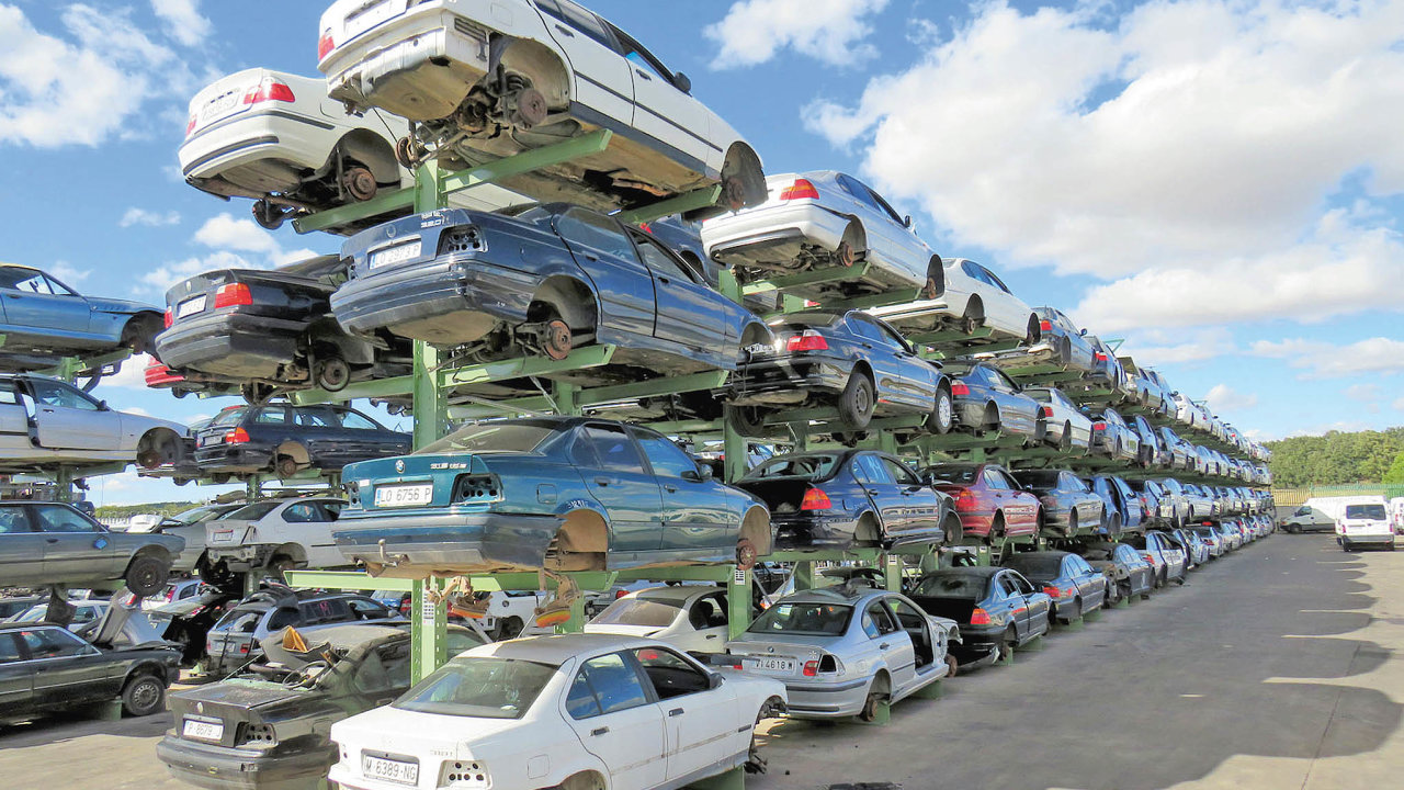 Severošpanělská firma Desguaces Eduardo, která provozuje autovrakoviště, výrazně rozšířila své kapacity pro uskladnění ojetých vozidel.