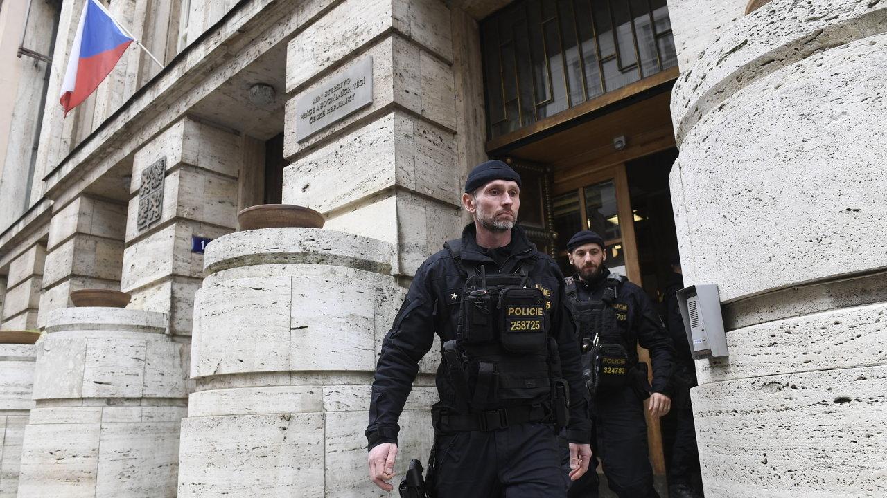 MPSV, policie, zásah
