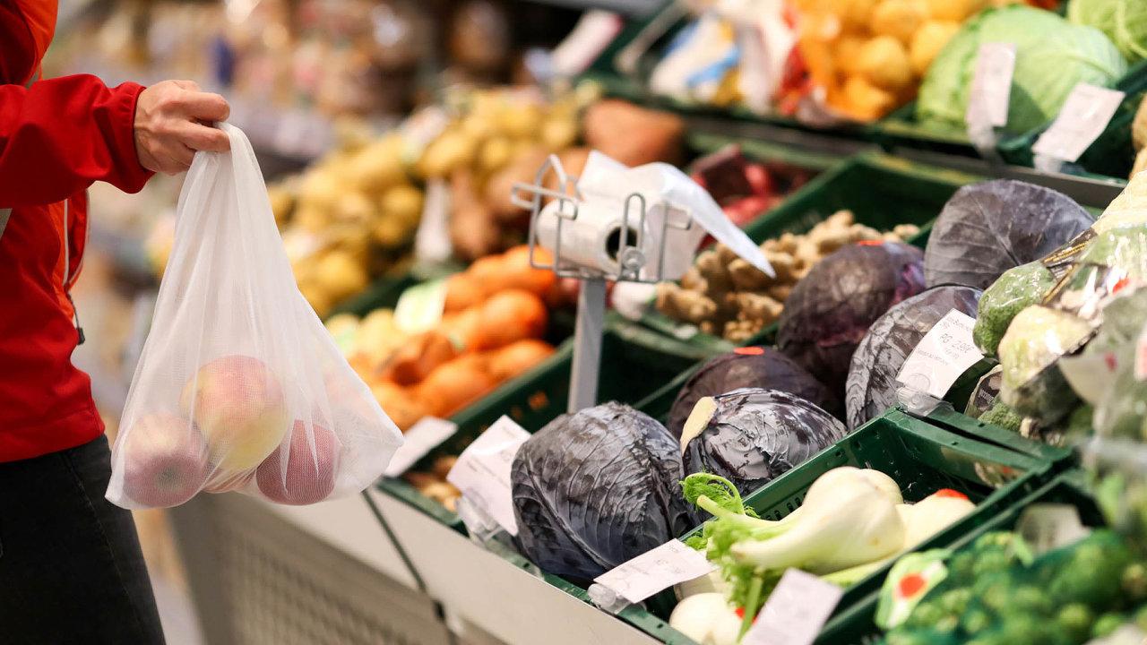 Výrazněji podražilo například ovoce, jehož ceny byly meziročně vyšší skoro opětinu (ilustrační snímek).