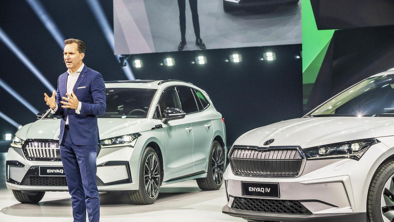 Nová, čistě elektrická Škoda Enyaq bude stát nejméně milion korun. SUV sudávaným dojezdem až 510 kilometrů se začne vyrábět vhlavním závodě Škody vMladé Boleslavi před koncem roku.