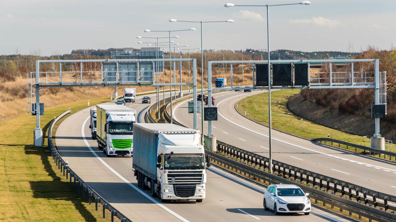 Odledna letošního roku funguje na2409 kilometrech silnic adálnic satelitní mýtný systém. Technologie nahradila předchozí mikrovlnný systém, který provozovala společnost Kapsch.