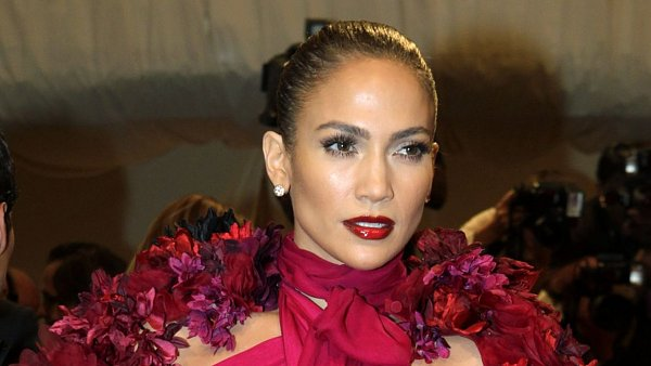 Jennifer Lopez,Alexander McQueen