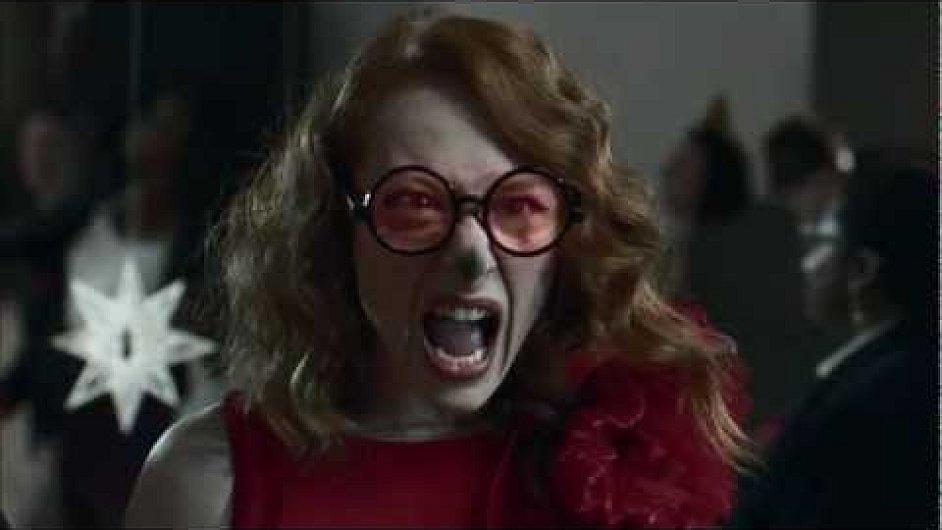 Záběr z reklamy obchodu Harvey Nichols