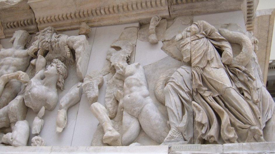 Předmětem sporu mezi Tureckem a Německem začíná být i pergamský oltář v muzeu v Berlíně.