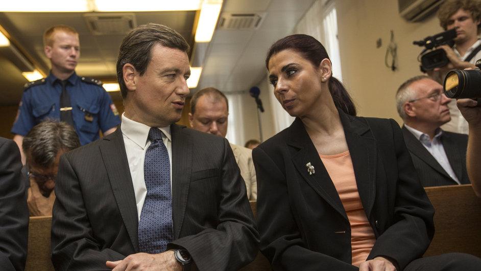 David Rath a Kateřina Pancová před soudem