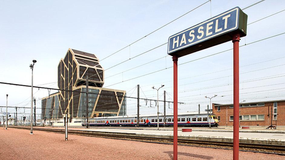 Soud v Hasseltu vyrostl v industriálním prostředí